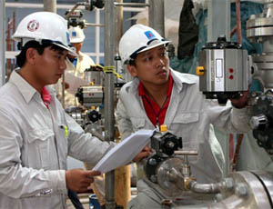 Foreign Companies Report Labor and Skills Shortage in Vietnam